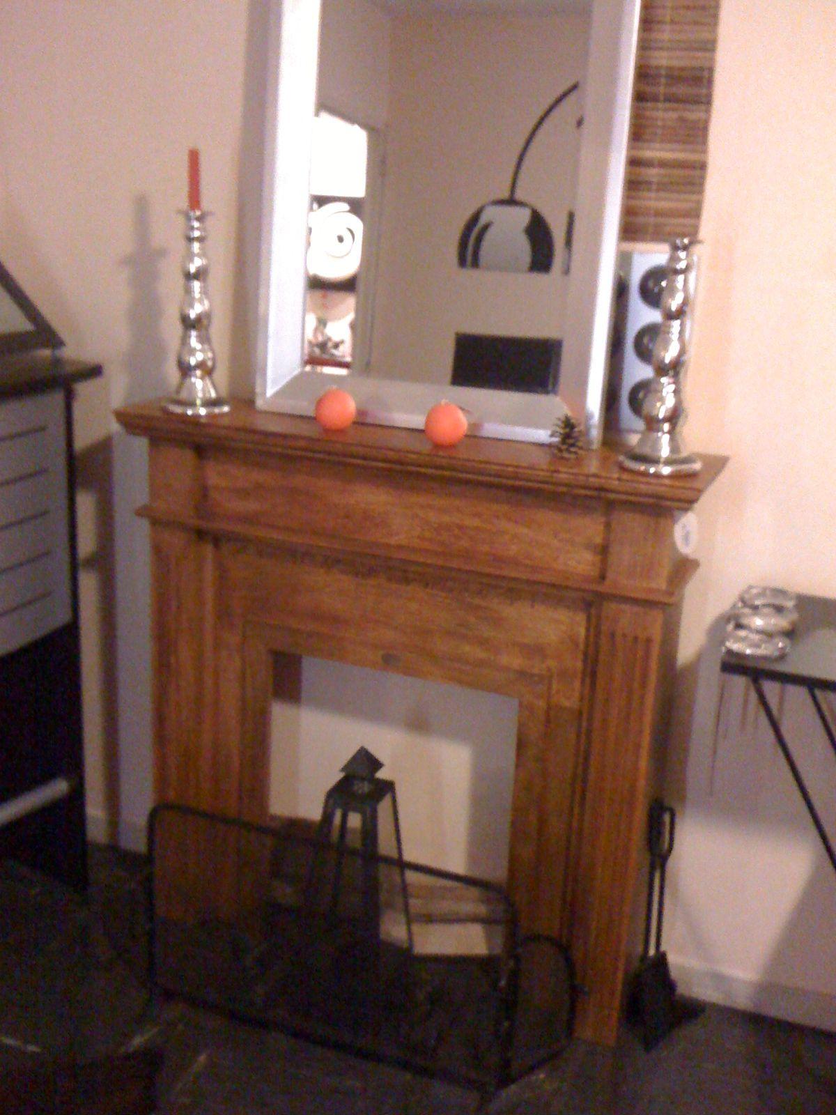 m tamorphose d 39 un manteau de chemin e. Black Bedroom Furniture Sets. Home Design Ideas